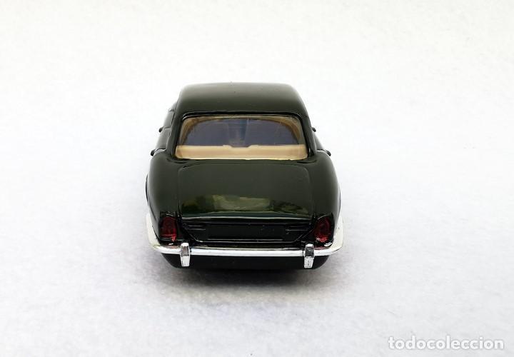 Coches a escala: Jaguar XJ 12 de la colección Coches Inolvidables, Solido (Salvat), año 2001, escala 1/43 - Foto 5 - 195873585