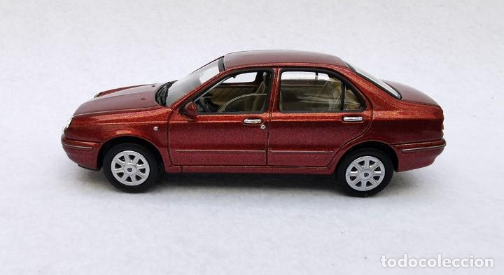 Coches a escala: Lancia Lybra de la colección Coches Inolvidables, Solido (Salvat), año 2001, escala 1/43 - Foto 3 - 228128445