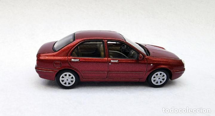 Coches a escala: Lancia Lybra de la colección Coches Inolvidables, Solido (Salvat), año 2001, escala 1/43 - Foto 7 - 228128445