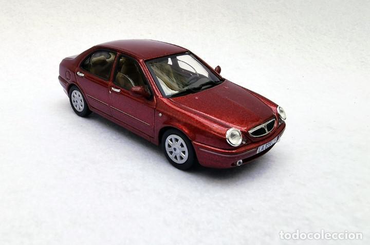 Coches a escala: Lancia Lybra de la colección Coches Inolvidables, Solido (Salvat), año 2001, escala 1/43 - Foto 8 - 228128445
