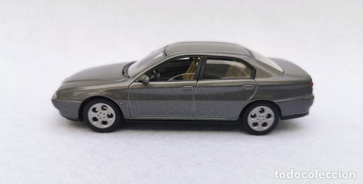 Coches a escala: Alfa Romeo 166 de la colección Coches Inolvidables, Solido (Salvat), año 2001, escala 1/43 - Foto 3 - 195958491