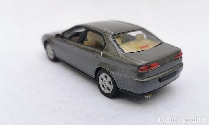 Coches a escala: Alfa Romeo 166 de la colección Coches Inolvidables, Solido (Salvat), año 2001, escala 1/43 - Foto 4 - 195958491