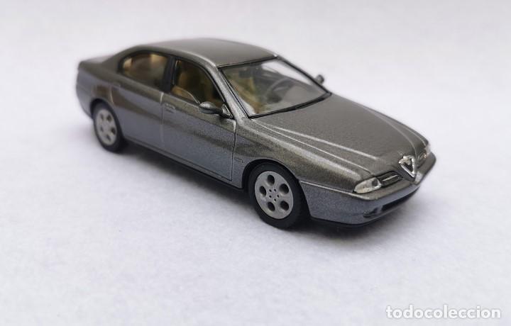Coches a escala: Alfa Romeo 166 de la colección Coches Inolvidables, Solido (Salvat), año 2001, escala 1/43 - Foto 9 - 195958491