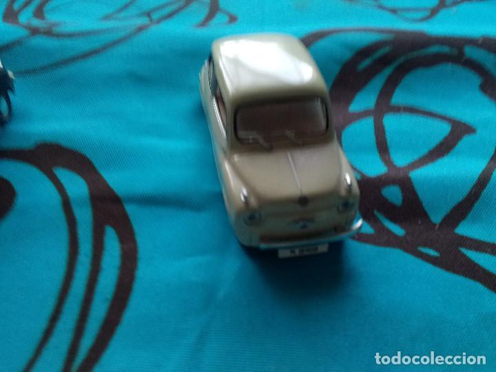 Coches a escala: Coche Solido Seat 600 1957 Color Crema - Foto 3 - 217806080