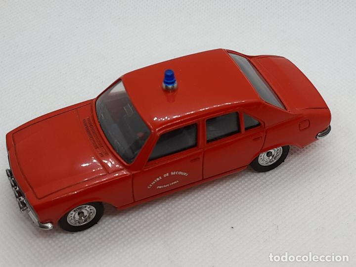 Coches a escala: PEUGEOT 504 BOMBEROS - SOLIDO - MADE IN FRANCE - ESC. 1/43 - - Foto 3 - 218562300