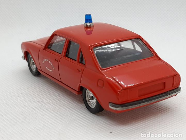 Coches a escala: PEUGEOT 504 BOMBEROS - SOLIDO - MADE IN FRANCE - ESC. 1/43 - - Foto 5 - 218562300