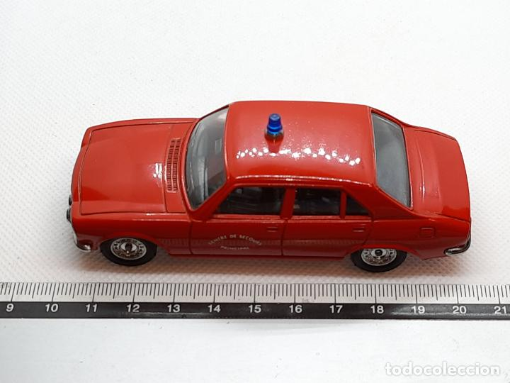Coches a escala: PEUGEOT 504 BOMBEROS - SOLIDO - MADE IN FRANCE - ESC. 1/43 - - Foto 9 - 218562300