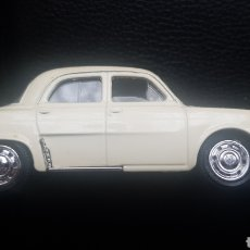 Coches a escala: RENAULT DAUPHINE 1/43 SOLIDO. Lote 237449320