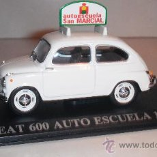 Coches a escala: SEAT 600 AUTO ESCUELA (1957) ESCALA 1:43 DE ALTAYA EN SU CAJA. Lote 28269203