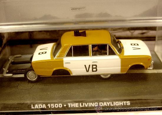 Coches a escala: LADA de POLICIA Modelo Ruso simil Fiat 125 James BOND 007 UNIVERSAL HOBBIES 1/43 NUEVO CAJA ORIGINAL - Foto 2 - 29893435