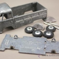 Coches a escala: VOLKSWAGEN T1 PICK-UP 1965 1/43 - BUDGIE TOYS MADE IN G.B. - KIT METAL SIN MONTAR - NUEVO - VINTAGE. Lote 30977458