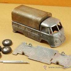 Coches a escala: VOLKSWAGEN T1 PICK-UP 1965 1/43 - BUDGIE TOYS MADE IN G.B. - KIT METAL SIN MONTAR - NUEVO - VINTAGE. Lote 32347541