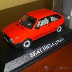 Coches a escala: SEAT IBIZA 1984. IXO. EN URNA. MIRA DESCRIPCIÓN.. Lote 36854237