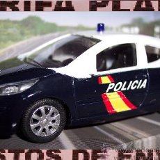 Coches a escala: PEUGEOT 207 POLICIA NACIONAL ESCALA 1:43 DE MONDOMOTORS EN SU CAJA. Lote 39031767