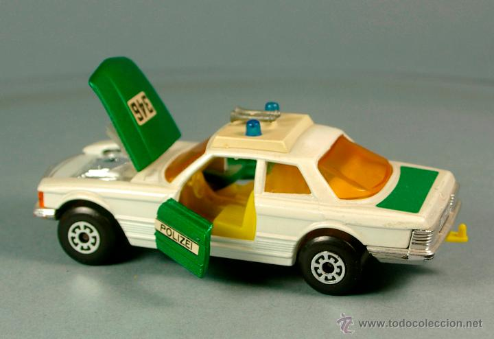 Coches a escala: MERCEDES BENZ 350 SLC POLIZEI POLICIA ALEMANIA - 1974 MATCHBOX K-61 LESNEY 1/43 - Made England - Foto 6 - 41770287