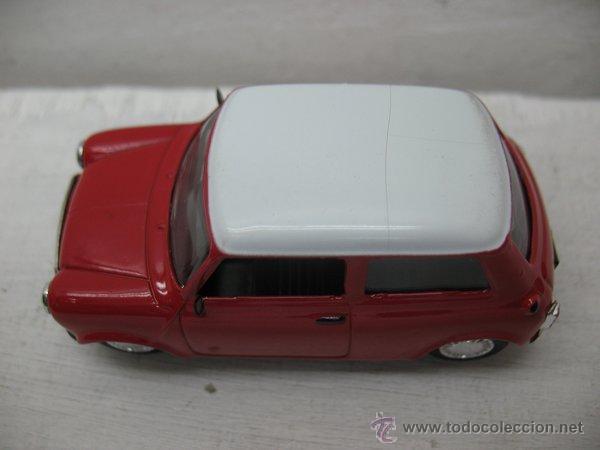 Coches a escala: Del Prado - Coche Mini Cooper rojo 1970 - Escala 1/43 - Foto 3 - 42106228