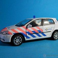Model Cars - VOLKSWAGEN GLOF Y POLICIA DE AMSTERDAM 1/36 PUERTAS --LUGOY - 47561176