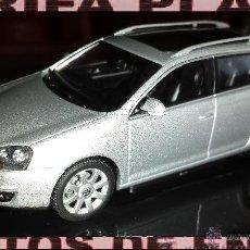 Coches a escala: VW GOLF VARIANT ESCALA 1:43 DE AUTOART EN SU CAJA. Lote 47874105