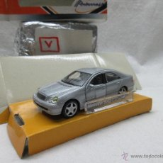 Auto in scala: MERCEDES BENZ C CLASS SEDAN 1/43 , CARARAMA. Lote 53875129