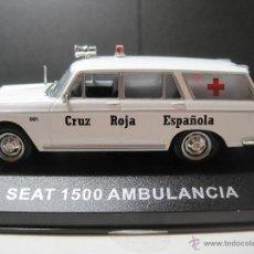 Coches a escala: SEAT 1500 AMBULANCIA DE ALTAYA Y GORRA CRUZ ROJA DE LOS AÑOS 70. Lote 54406346