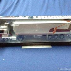 Coches a escala: CAMION BERLIET TR 350 TURBO - IXO ALTAYA 1/43 - TRAILER. Lote 91221714