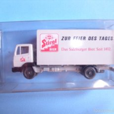 Coches a escala: WIKING 1:87, ESCALA H0,CAMION CERVECERO STIEGL, MADE IN GERMANY. Lote 57653170