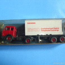 Coches a escala: WIKING 1:87, ESCALA H0,CAMION PLATAFORMA CON CONTAINER SIEMENS, MADE IN GERMANY. Lote 57653361