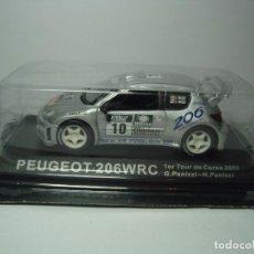 Coches a escala: PEUGEOT 206 WRC DE IXO ALTAYA 1,43 NUEVO EN CAJA. Lote 67621893
