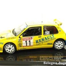 Coches a escala: RENAULT CLIO MAXI 11 JORDAN 1/43 IXO COCHE A ESCALA. Lote 70367007