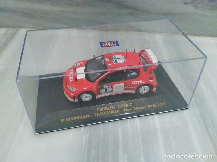 Coches a escala: PEUGEOT 206 WRC M.GRONHOLM - T.RAUTIAINEN - NEW ZEALAND RALLY 2003 - RALLY CAR - 1/43 - Foto 3 - 71722671