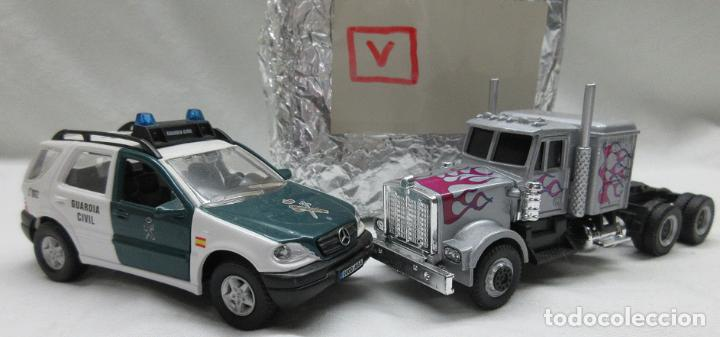 Coches a escala: Mercedes Benz Guardia Civil 1/43 y Camión ambos de Cararama .. sin cajas -no box - Foto 1 - 73497107