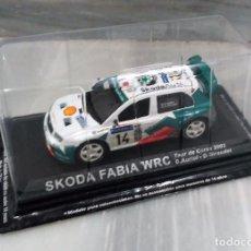 Coches a escala: COCHE SKODA FABIA WRC - TOUR CORSE 2003 - 1/43 - ALTAYA. Lote 76894771