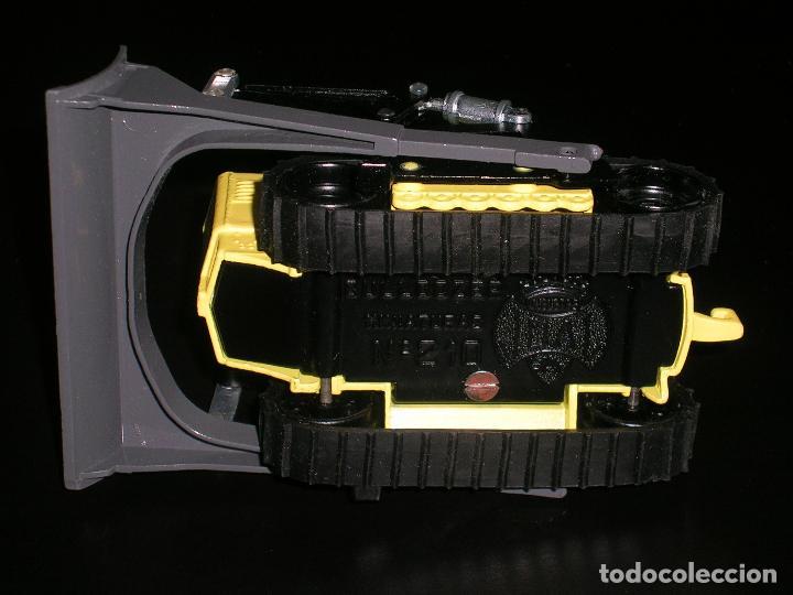 Coches a escala: Bulldozer Massey Harris ref. 210 fabricado en metal, esc. aprox. 1/43, Joal años 70. A estrenar. - Foto 6 - 93175738