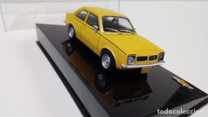 Coches a escala: Coche Chevrolet Chevette-SL-1979-Escala-1 43 nuevo precintado en su caja expositora - Foto 2 - 257396880