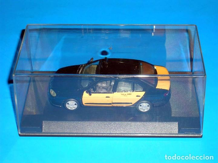 Coches a escala: Renault Megane, Taxi Barcelona, metal esc. 1/43, Kit Car 43, base Vitesse. Impecable - Foto 2 - 105648547