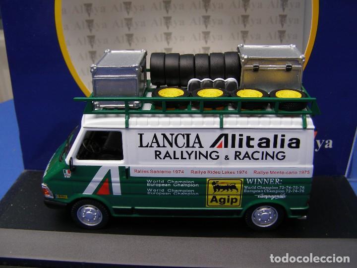 FURGONETA FIAT 242 ASISTENCIA AL ITALIA, REGALO DE SUSCRIPCION DE ALTAYA, 1/43 (Juguetes - Coches a Escala 1:43 Otras Marcas)