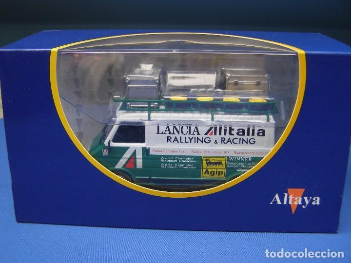 Coches a escala: FURGONETA FIAT 242 ASISTENCIA AL ITALIA, REGALO DE SUSCRIPCION DE ALTAYA, 1/43 - Foto 4 - 165545198
