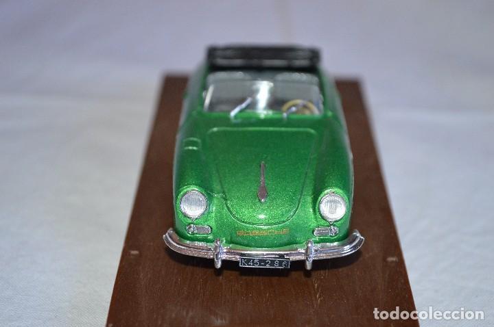 Coches a escala: Porsche 356 roadster. 1950. Serie Oro. 1/43. Brumm. Fabricado en Italia. romanjuguetesymas. - Foto 3 - 116549083