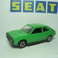 Coches a escala: SEAT 1200 1430 SPORT COUPE DE GUILOY 1,43. Lote 117396107