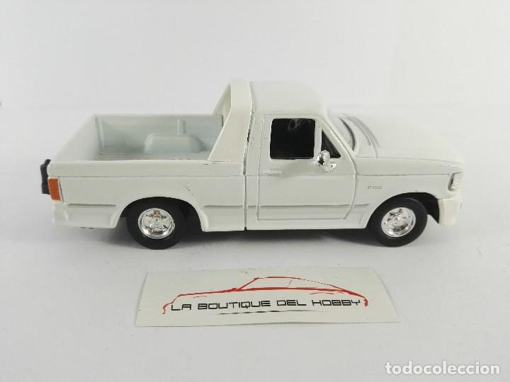 Coches a escala: FORD F-150 SHORTBOX ROAD SIGNATURE ESCALA 1:43 - Foto 2 - 121159163