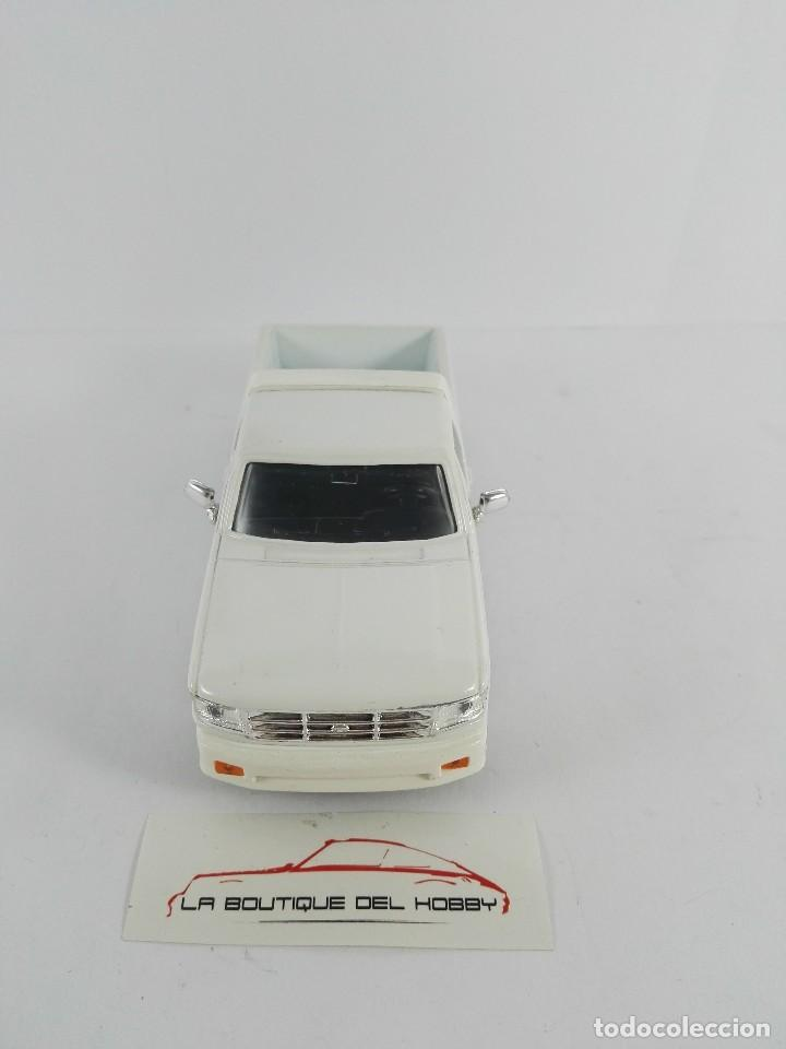 Coches a escala: FORD F-150 SHORTBOX ROAD SIGNATURE ESCALA 1:43 - Foto 3 - 121159163