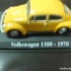 Coches a escala: VOLKSWAGEN 1300. (1970). VW 1300, ESCARABAJO UNIVERSAL. ESCALA 1:43. CLASICOS INOLVIDABLES. ALTAYA. Lote 126558715