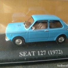 Coches a escala: SEAT, 127 DE 1972, AZUL CELESTE, IXO SALVAT, 1/43, NUEVO. Lote 131665342