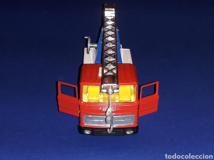 Coches a escala: Camión Mercedes 451 pluma grúa, metal, esc. 1/43, Guisval IBI made in Spain, Dinky copy, año 1970. - Foto 8 - 132955838