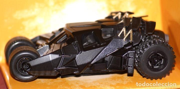 Coches a escala: COCHE BATMAN BATMOBILE THE DARK NIGHT APROX ESCALA 1:43 DE JADA EN caja - Foto 2 - 133032078