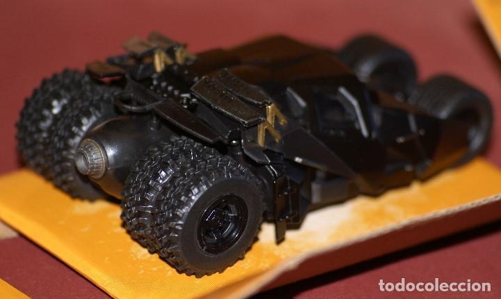 Coches a escala: COCHE BATMAN BATMOBILE THE DARK NIGHT APROX ESCALA 1:43 DE JADA EN caja - Foto 4 - 133032078