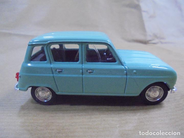Coches a escala: COCHE METAL. RENAULT 4L 1964. SOLIDO MADE IN FRANCE. 48 GRAMOS 8 CM. - Foto 2 - 136433014