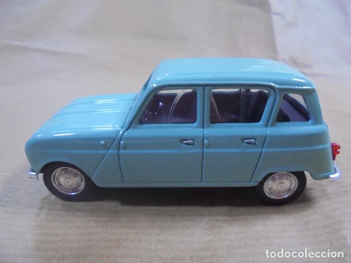 Coches a escala: COCHE METAL. RENAULT 4L 1964. SOLIDO MADE IN FRANCE. 48 GRAMOS 8 CM. - Foto 4 - 136433014