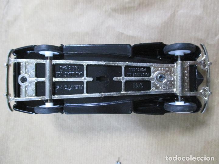 Coches a escala: ANTIGUO COCHE DE METAL. CADILLAC V16 1938 - 40. REXTOYS. FABRICADO EN PORTUGAL. PAPA MINIATURA. 13CM - Foto 5 - 138740594
