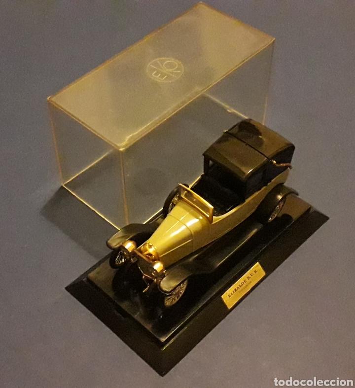 Coches a escala: Elizalde R.V.E. Limousine, plástico esc. 1/43, EKO made in Spain, original años 60. Con caja. - Foto 2 - 138830402